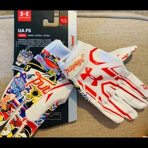 YOUTH large football gloves by Under Armour NWT